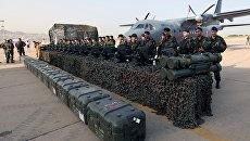 Партия французского стрелкового оружия для армии Ливана в аэропорту Бейрута. Архивное фото