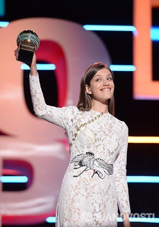 Актриса Анна Чиповская на церемонии закрытия 27-го Открытого российского кинофестиваля Кинотавр