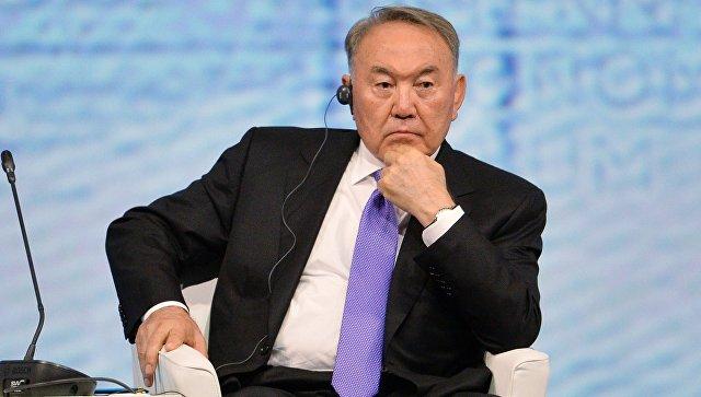 Назарбаев: Рада непозволяет Порошенко принять статус Донбасса