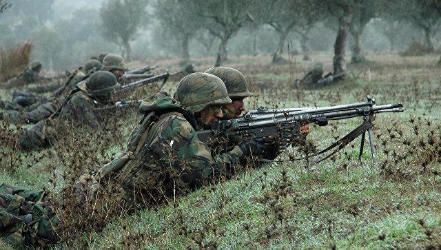 Солдаты НАТО во время учений Trident Juncture осенью 2015 года. Архивное фото