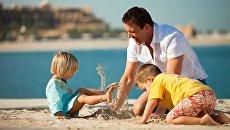 На пляже эмирата Рас Аль Хайма (ОАЭ)