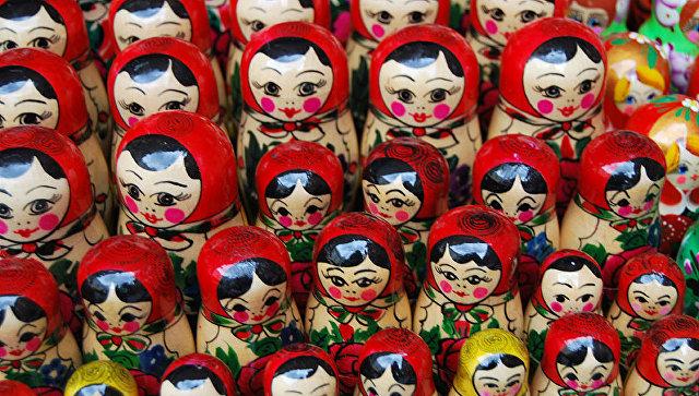 Продажа сувениров в Москве. Архив