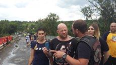 Американский спортсмен Джефф Монсон на КПП Станица Луганская в ЛНР. Архивное фото