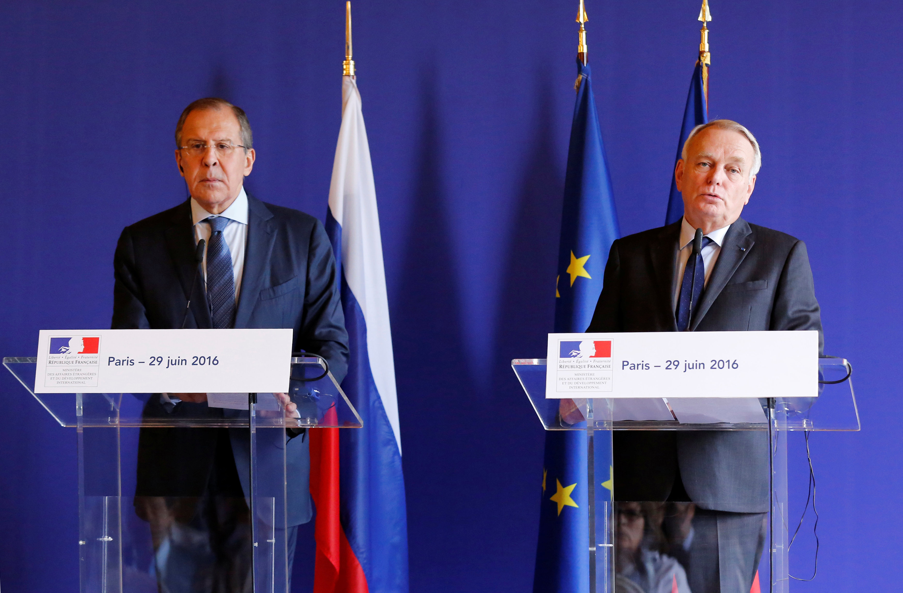 Il ministro degli Esteri russo Sergei Lavrov e il ministro degli Esteri di Francia Jean-Marc Eyraud.  29 giugno 2016