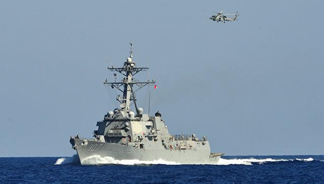 Американский эсминец Gravely в Средиземном море