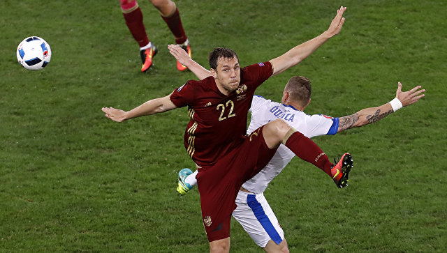 ВГосдуме призвали сборную России пофутболу принять вызов «народной команды»