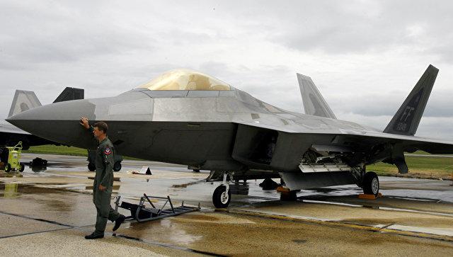Истребитель F-22 Raptor на авиабазе ВВС США Эндрюс