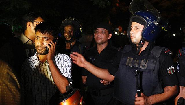 В Бангладеш почтили память жертв теракта в Дакке