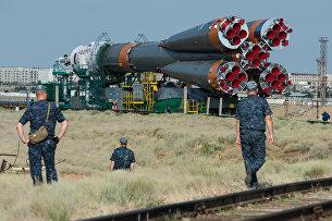 Вывоз ракеты-носителя Союз- ФГ с пилотируемым кораблем Союз-МС на стартовую площадку