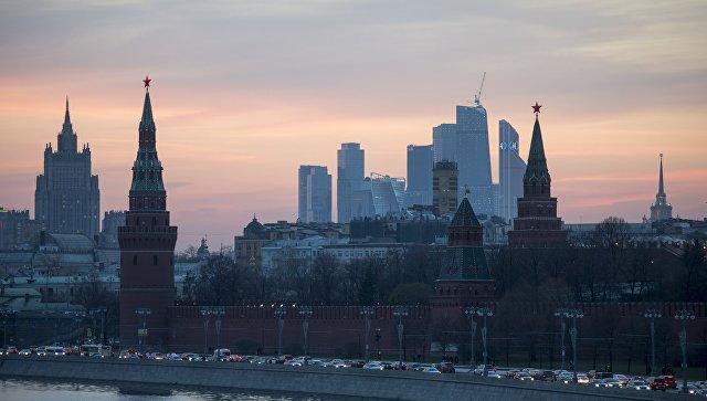 Вид на Московский Кремль с Большого Москворецкого моста