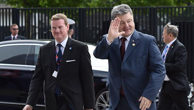 Президент Украины Петр Порошенко перед началом саммита НАТО в Варшаве