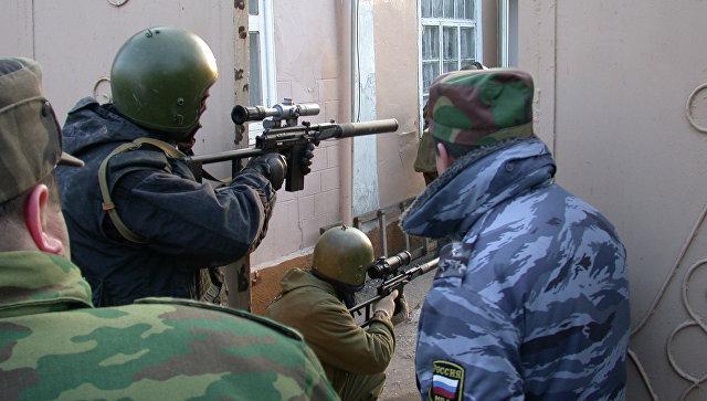 Дагестанская полиция во время спецоперации. Архивное фото.