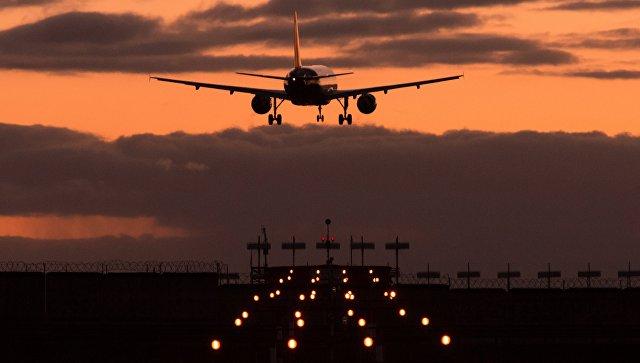 Самолет в международном аэропорту Шереметьево. Архивное фото