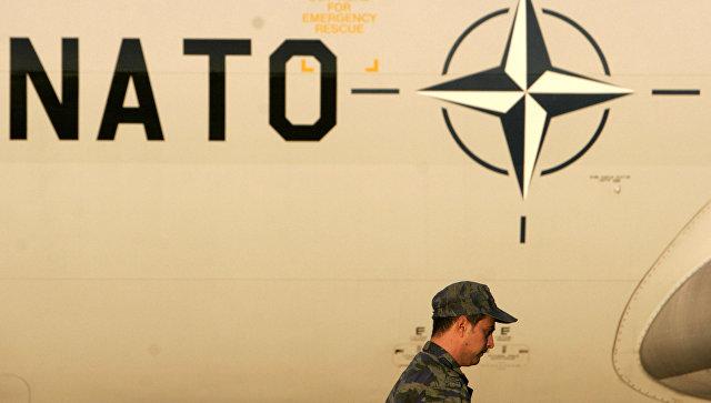 Самолет на базе НАТО в Западной Греции