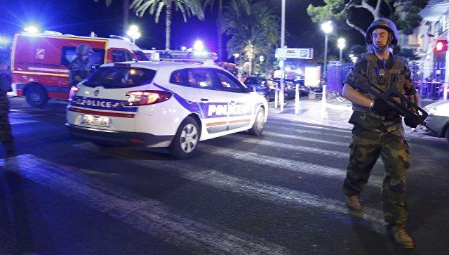 Полиция на месте нападения на толпу в Ницце. 15 июля 2016