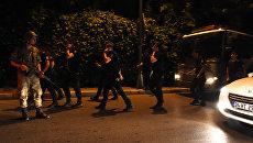 Militare per le strade di Istanbul, Turchia