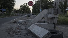 Пустые улицы поселка Веселое Донецкой области