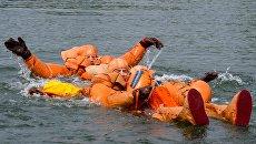 Тренировка экипажа МКС по водному выживанию. 18 июля 2016