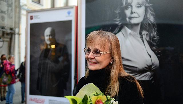 Актриса Наталья Белохвостикова на открытии выставочного проекта Легенды нашего кино в Москве. Архив
