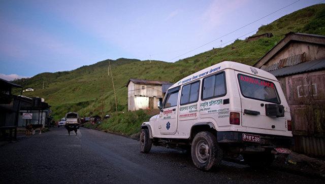 Машина скорой помощи в Непале. Архивное фото