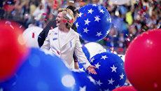 Кандидат в президенты США Хиллари Клинтон на съезде Демократической партии в Филадельфии. 28 июля 2016 года