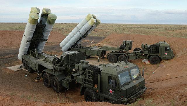Зенитные ракетные системы С-400. Архивное фото