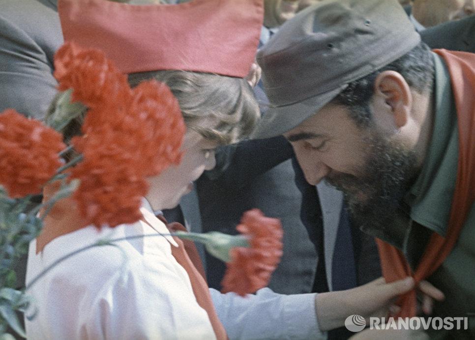 Кадр из документального фильма Наш гость Фидель Кастро