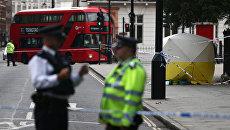 Сотрудники правоохранительных органов на месте происшествия на Рассел-сквер в Лондоне, Великобритания. 4 августа 2016