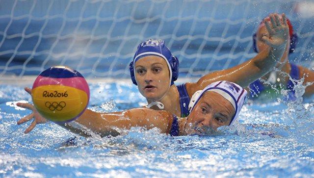 Анна Гринева в полуфинале турнира по водному поло между сборными России и Италии на Олимпийских играх в Рио-де-Жанейро