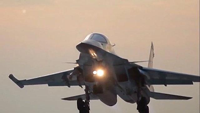 Авиаудары бомбардировщиков Су-34 ВКС РФ с авиабазы Хамадан по объектам ИГ в Сирии. Архивное фото
