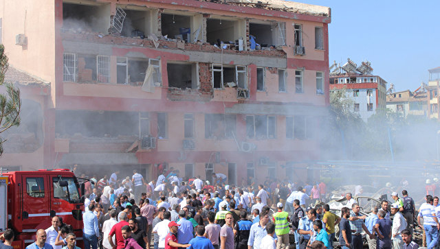 Неменее 100 человек пострадали при взрыве втурецком Элязыге