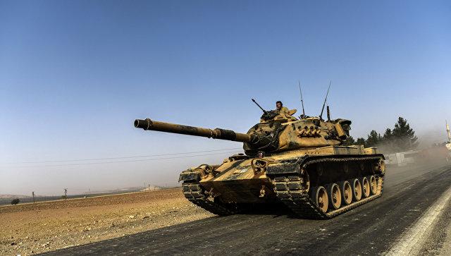 Турецкая бронетехника на границе с Сирией. 24 августа 2016. Архивное фото