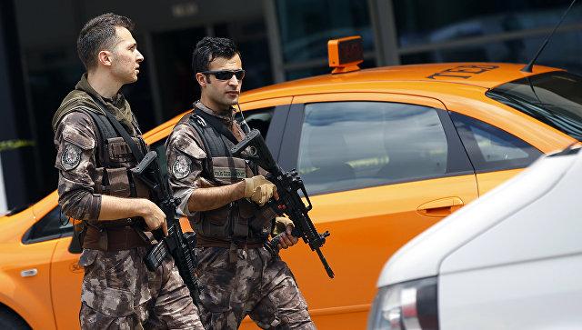 В Турции при взрыве, устроенном членами РПК, погибли двое военных