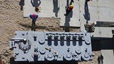 Монтаж металлоконструкций стадиона ЧМ-2018 в Калининграде. Архивное фото