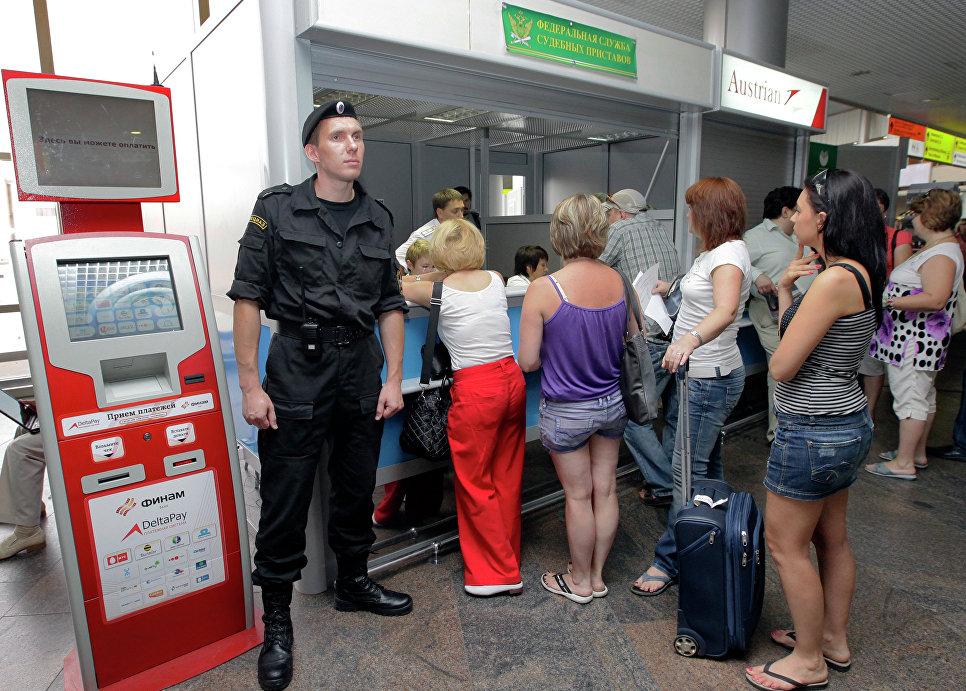 В государственной думе предлагают увеличить порог долгов, ограничивающий выезд зарубеж