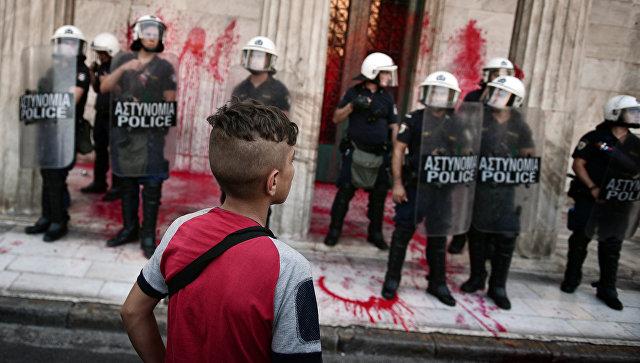 ВГреции всеобщая забастовка профсоюзов против мер жесткой экономии
