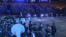 Церемония закрытия Спасской башни: парад оркестров и выступление Мирей Матье