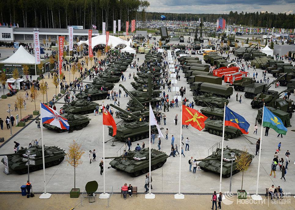 Международный военно-технический форум Армия-2016 на полигоне Алабино