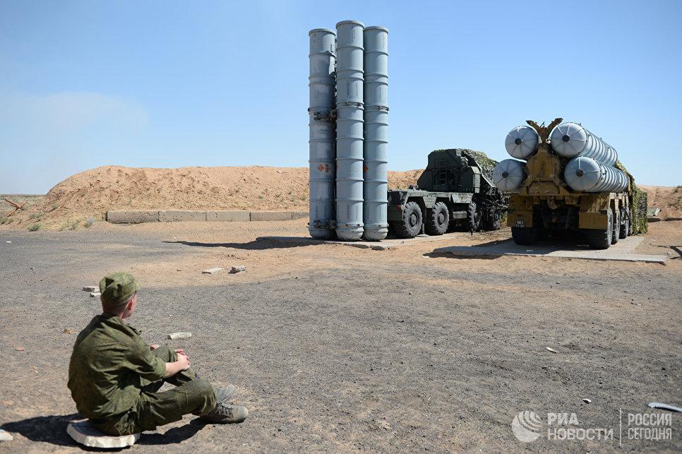 Боевые стрельбы ЗРС С-300 на полигоне Ашулук