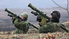 Стрелки-зенитчики на огневой позиции во время батальонных тактических учений морской пехоты Тихоокеанского флота в Приморском крае. Архивное фото