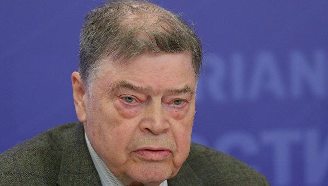 Эксперт Зиновьевского клуба Борис Панкин. Архивное фото