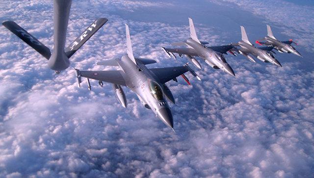 Истребители F-16 Fighting Falcon Королевских ВВС Дании. Архивное фото