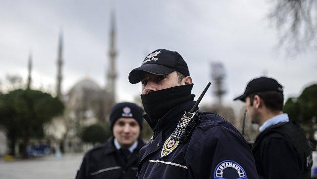 В Стамбуле у дворца правосудия произошла перестрелка, один человек ранен
