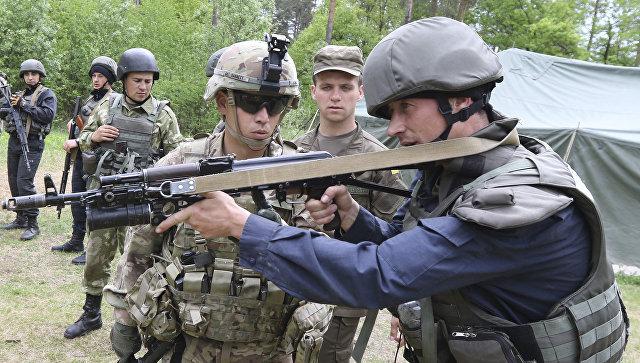 Американские и украинские военные. Архивное фото