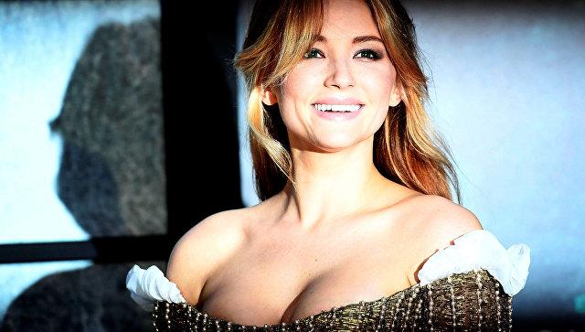 Актриса Хейли Беннетт на премьере фильма Девушка в поезде в Лондоне