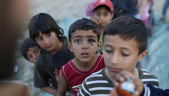 ЕС рассчитывает распределить 30 тыс. беженцев вГреции кконцу предстоящего 2017г.