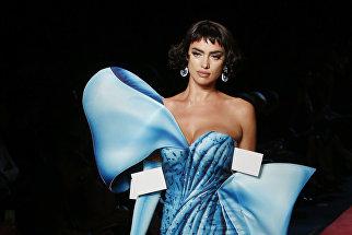 Показ коллекции Moschino на Неделе моды в Милане