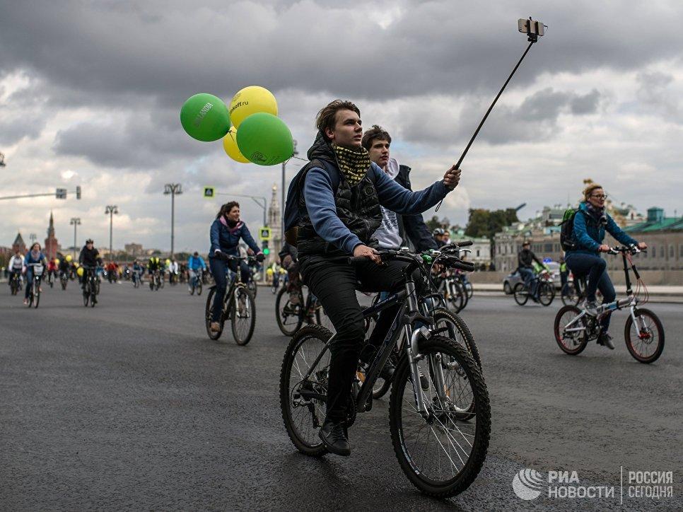 Участники XI Московского осеннего велопарада - 2016