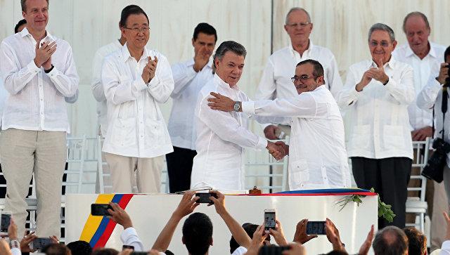 ВКолумбии повстанцы РВСК начали сдавать оружие