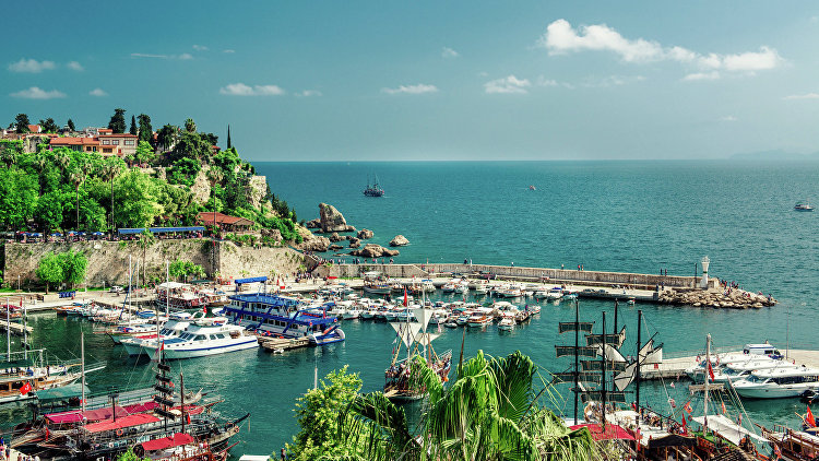 Вид на гавань в Анталье, Турция. Архивное фото